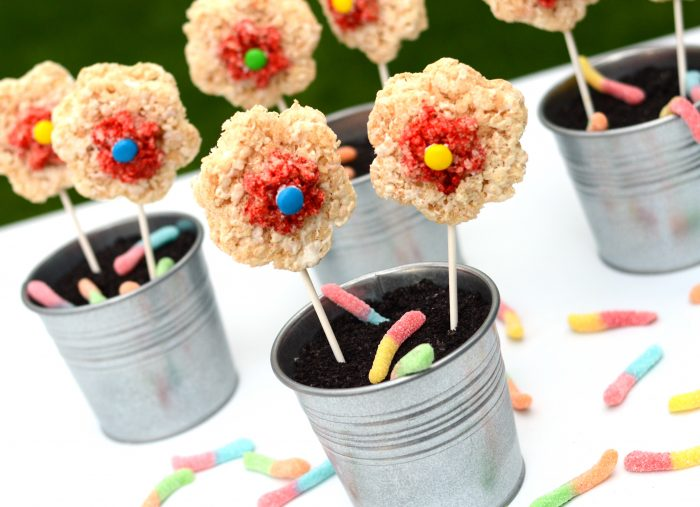 Rice Krispie Flowers in Dirt Pudding  www.swankykitchen.com